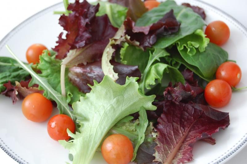 Receta ensalada de habitas y bacon ojo al plato - Ensalada de habitas ...